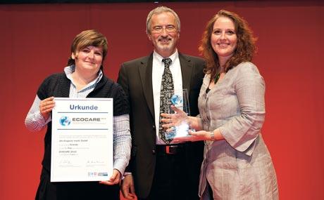 Laura Kupczyk, Ulrich Maith und Stefanie Schönherr (dm) hatten die Jury in der Kategorie Produkt überzeugt.