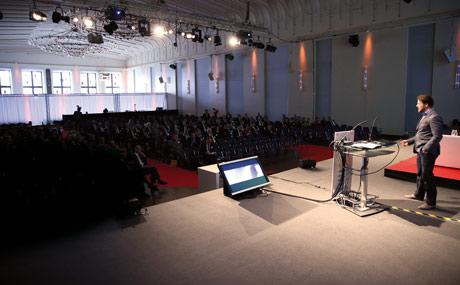 Der Kongress fand in diesem Jahr erstmals im Gürzenich, einem alten Repräsentationsbau im Herzen Kölns, statt.
