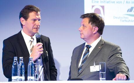 Aufmerksamer Zuhörer: Jörg Müller (r.) und Michael Litzke.