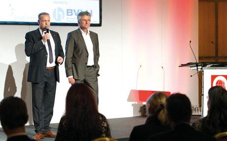 Gemeinsam begrüßten Dietmar Eiden (Koelnmesse) und Eckhard Lenz (LPV Media) das Publikum zu der Kooperationsveranstaltung WellFood 2013.