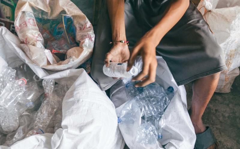 Aldi Süd und Nord: Unterstützen Start-up gegen Plastikmüll