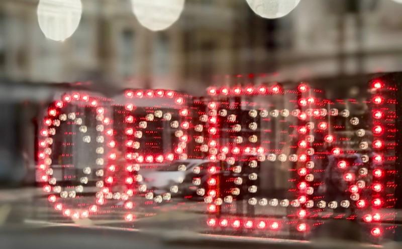 Servicebeitrag Handelsgastronomie: Wiedereröffnung: Welche Regeln gelten wo?