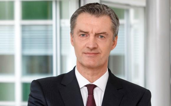 Kaufhof:Neuwald will weniger Lohn zahlen