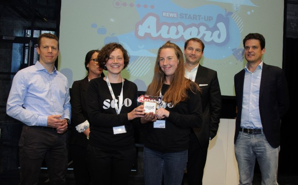 "Rewe: Jungunternehmen ""Selo Green Coffee"" gewinnt Start-up-Award"