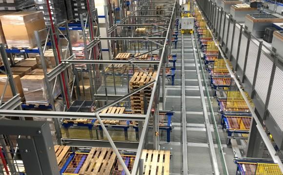 Erweitert Logistik-Kapazitäten
