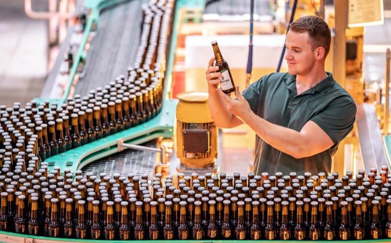 Brauerei legt über dem Markttrend zu