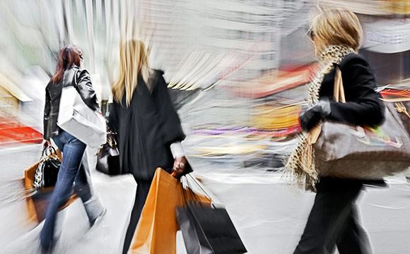 GfK-Studie : Konsumenten in Kauflaune