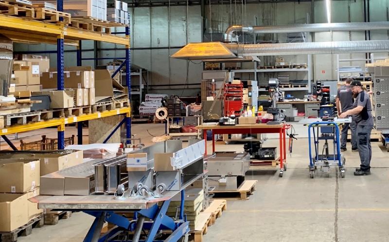 DEBAG: Investiert in neuen Produktionsstandort